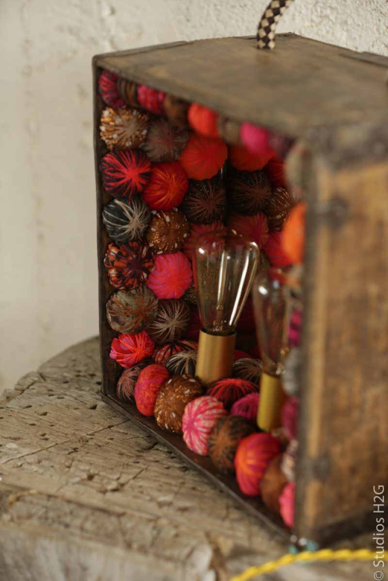 Lampe vintage Piti pompons tissus
