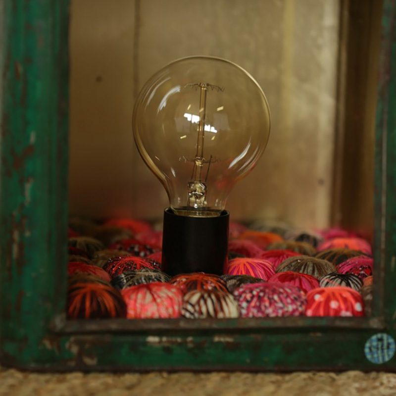 Lanterne Vintage métal et pompons du créateur Piti