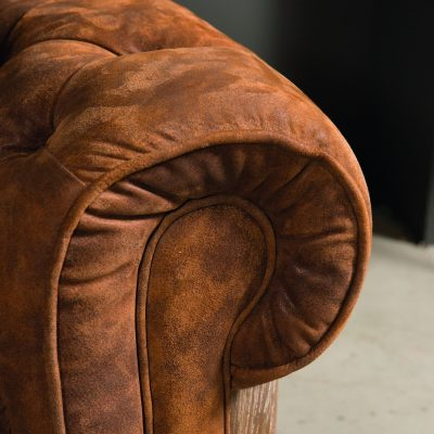 canape-chesterfield-cuir-doux