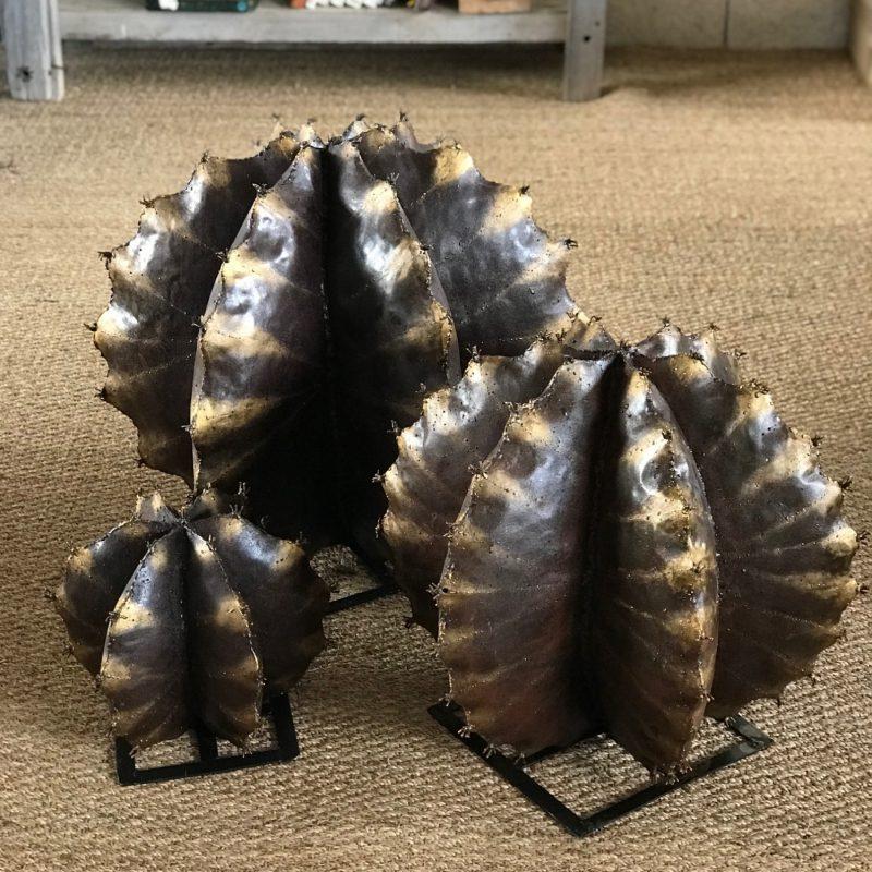 Cactus en métal recyclés fait à la main de forme sphérique