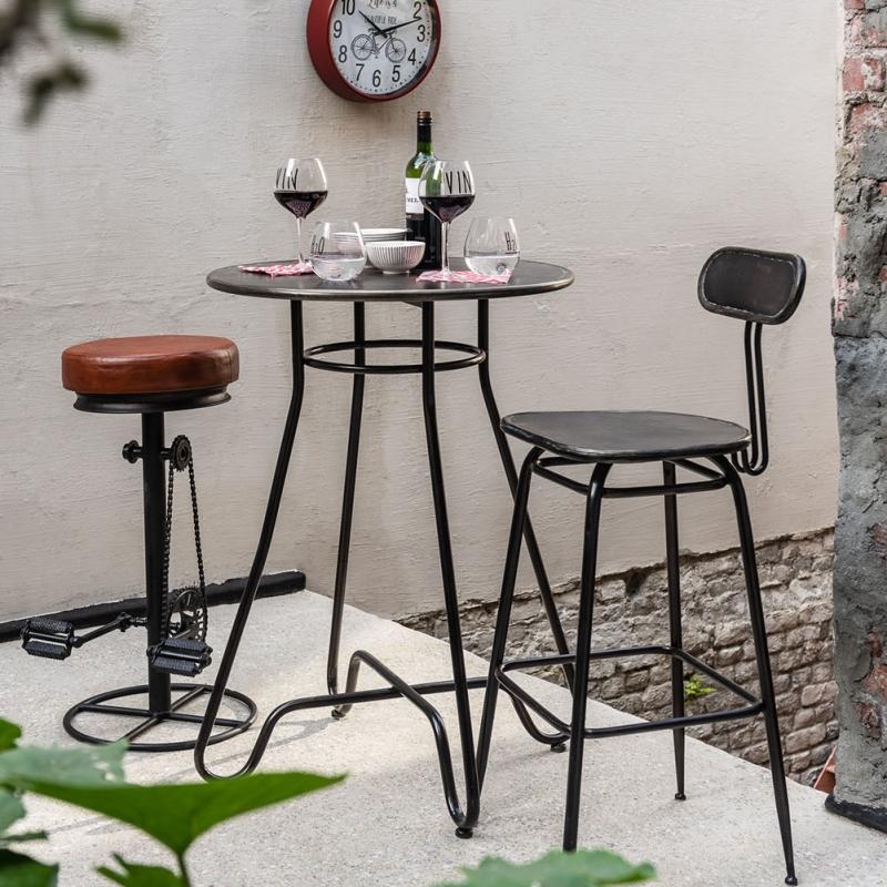 Table de bar en métal