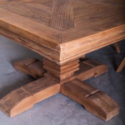 Table salle à manger carré